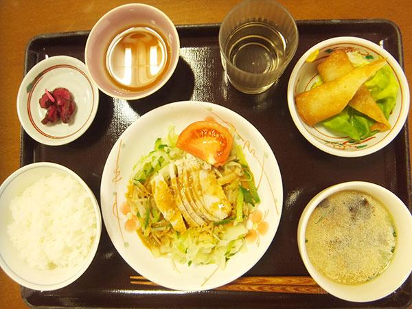 ご飯 棒々鶏 春巻き 漬物 中華スープ<br>481kcal